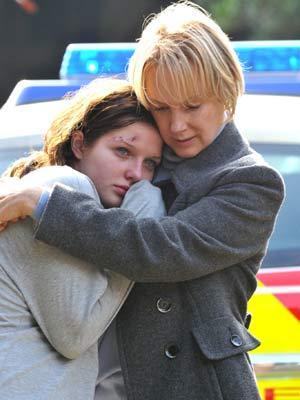 File:Mum and daughter.jpg