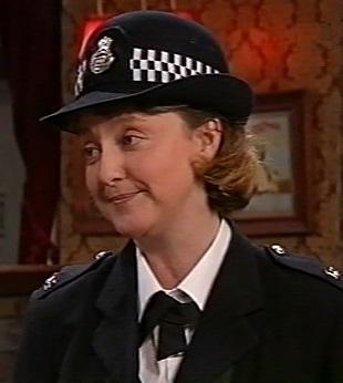 File:Policewoman 2846.jpg