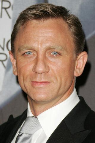 File:Daniel Craig.jpg