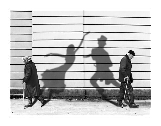 File:Shadows dancing.jpg