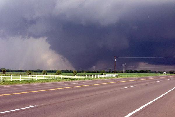 File:Moore-tornado.jpg