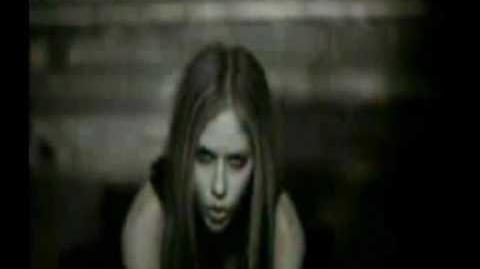 Avril Lavigne-Slipped Away Music Video