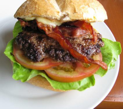 File:Cheeseburgercheeseburgercheeseburger.jpg