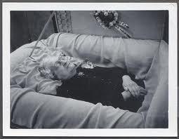 Oldwomanincasket