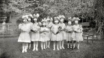 Little-girl-doll-party-vintage-photo