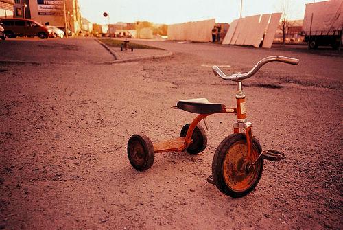 File:Tricycle.jpg