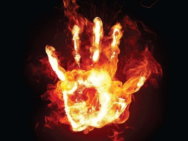 File:241279-Firehand-1314586319-576-640x480.jpg