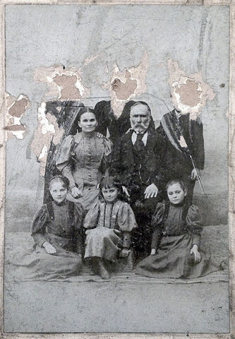 File:Family photo.jpg