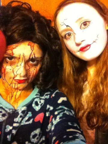 File:Meg and Shannon 2.jpg