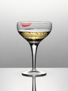 Lipstick-on-glass