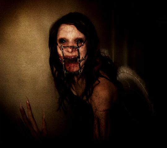File:Eww-Scary-Face 00000.jpg