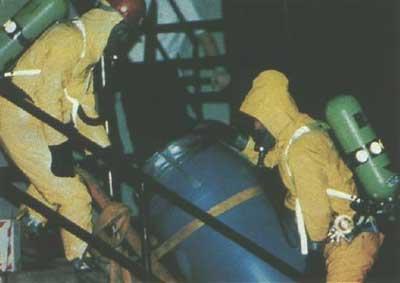 File:HazMat team at Dahmer's apartment.jpg
