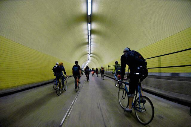 File:Criticalmass-sf-broadway-tunnel.jpg