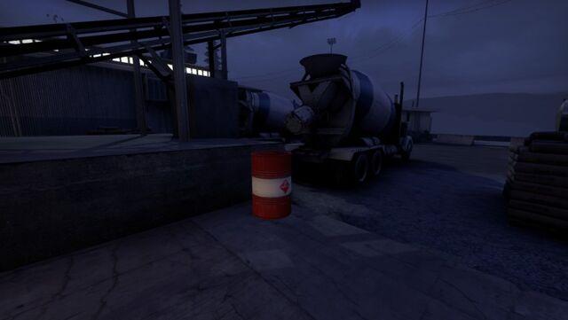 File:Coop cementplant barrels (10).jpg