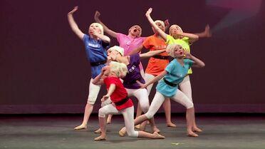 Seven Dancers extra - 0m28s