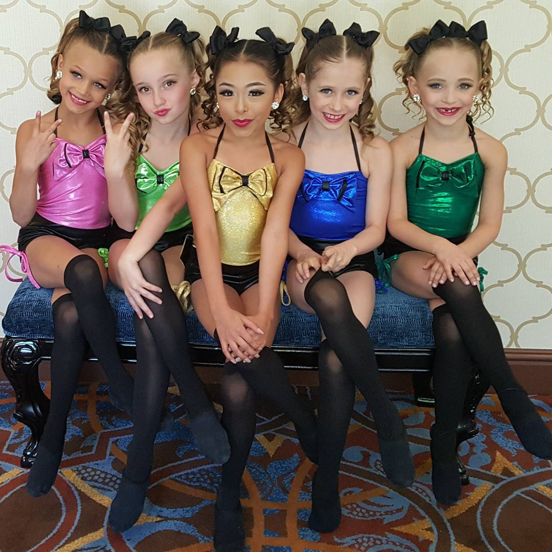 Image - Minis at Hollywood Vibe.jpg | Dance Moms Wiki