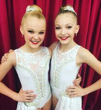 624 Brynn and JoJo - Mirror Image 2