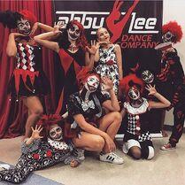 706 Clown group dance