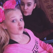 JoJo and Kalani relaxing at Jump day 1 13Feb2015