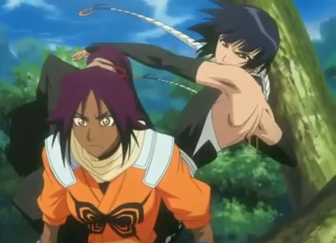 File:Soifon tries to finish Yoruichi off.jpg