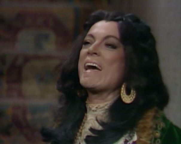 File:Magda laughs.jpg