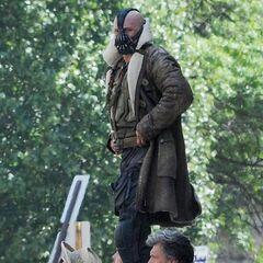 Tom Hardy on set as Bane