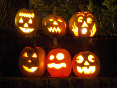 File:Jack O'Lanterns.jpg