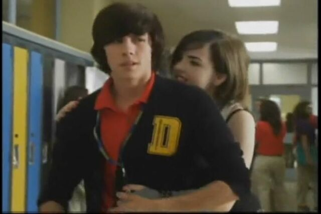 File:New Degrassi In 2 Weeks!-clareelisexy.jpg