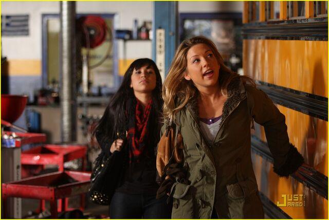 File:Lauren-collins-degrassi-goes-hollywood-23.jpg