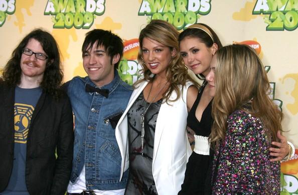 File:Miriam+McDonald+Nickelodeon+2009+Kids+Choice+BhcycbSu4agl.jpg