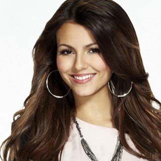File:Victoria justice tickets.jpg