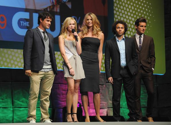 File:Sara+Paxton+Ben+Hollingsworth+CW+Network+2009+0FMKVqdTTDnl.jpg