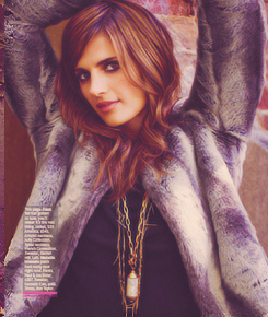 File:Stana-Katic-New-Photoshoot-castle-31760716-245-290.jpg