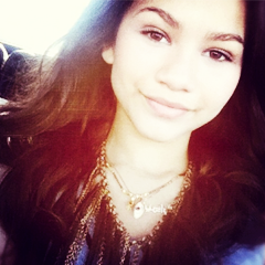 File:Wiki Friend Icons - Jolena as Zendaya.png