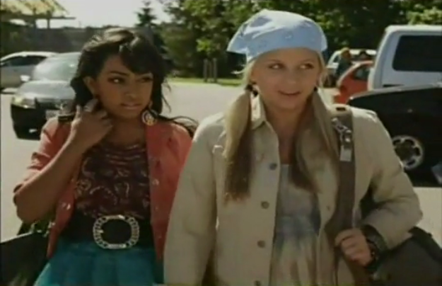 File:Alli and jenna degrassi season 10.png