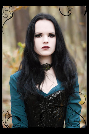 File:Scary-goth-girl.jpg