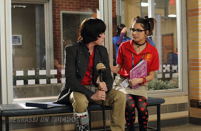 File:Degrassi-episode-1109-05.jpg
