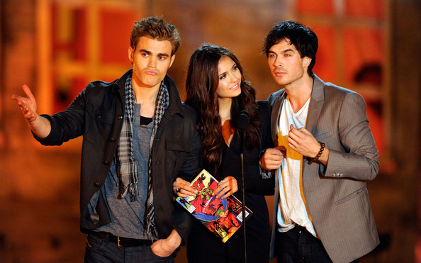 File:Paul+Wesley+Nina+Dobrev+Spike+TV+Scream+2010+zrwY8d5svbtl.jpg