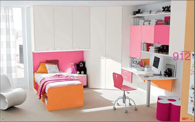 File:Pink-and-orange-room.jpg