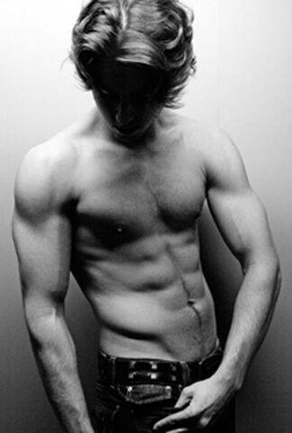File:John-Bregar-shirtless-6.jpg