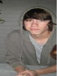 File:Eli smiling strangly.jpg