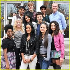 File:Degrassi cast pic 2011.jpg