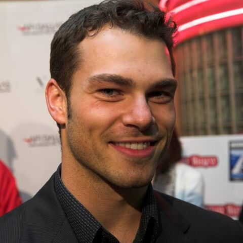 File:201 Shawn Roberts picture.jpg