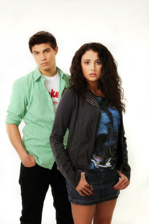 File:300x450-degrassi-drew-and-bianca.jpg