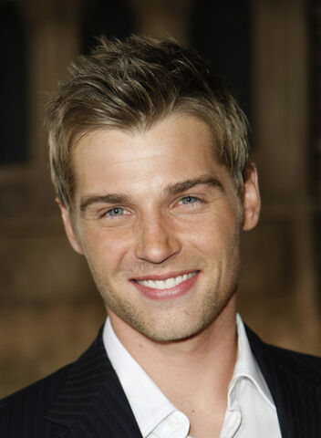 File:Mike Vogel.jpg