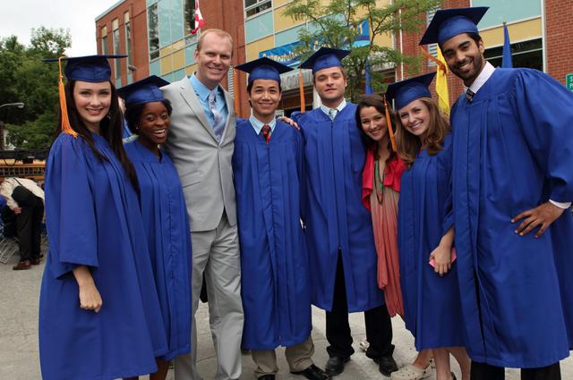 File:Seniors Graduation.png