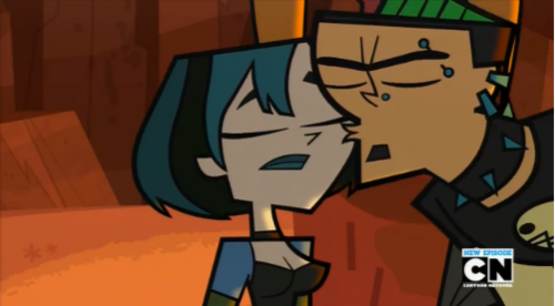 File:Cheek kiss.png