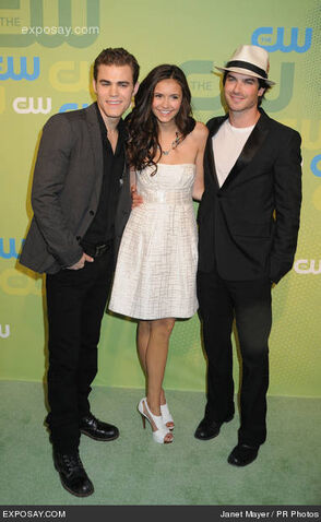 File:Paul-wesley-nina-dobrev-and-ian-somerhalder-10IXEx.jpg
