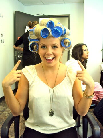 File:Jessica tyler curlers.jpg