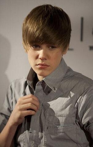 File:Justin Bieber On set.jpg